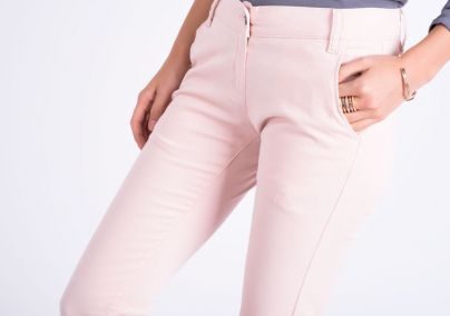 Puder ženske pantalone