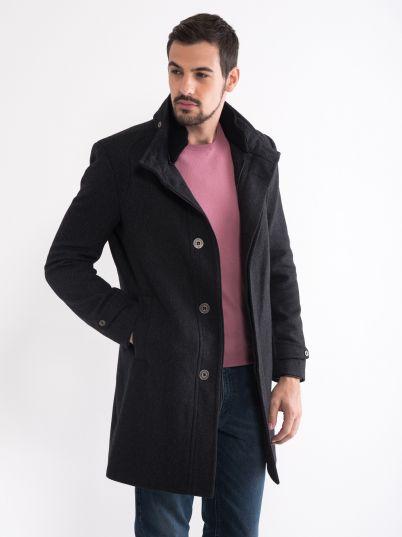 Atraktivan muški kaput