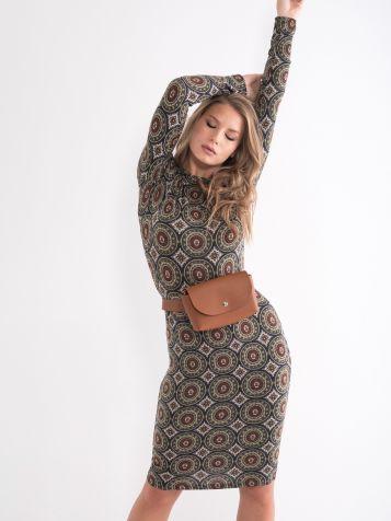 Dezenirana haljina zemljanih tonova