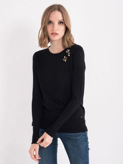 Džemper sa ukrasima