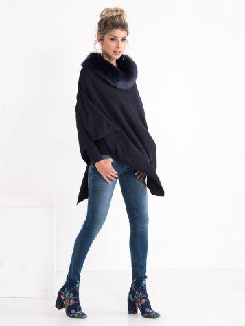 Džemper sa krznenom kragnom