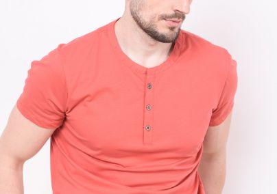 Majica sa dugmićima