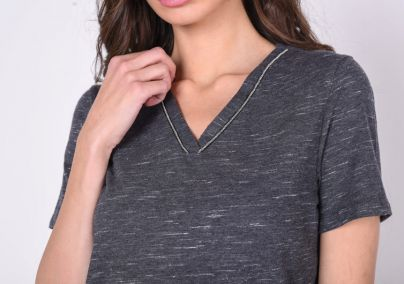 Majica na V izrez