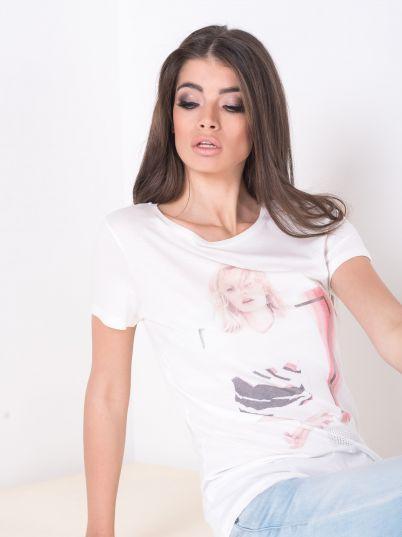 Majica sa printom djevojke