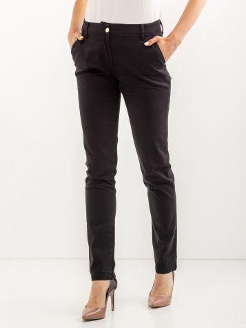Kariraste hlače črne barve