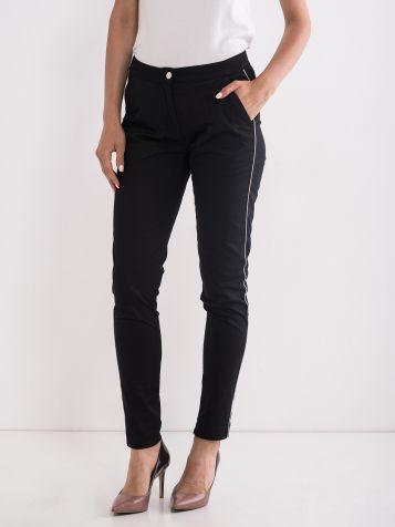 Priložnostne »smart« hlače črne barve