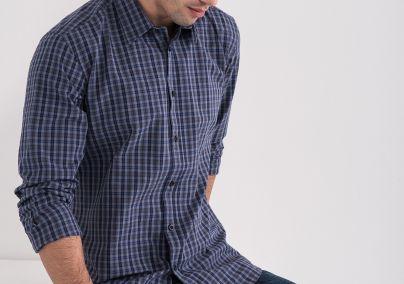 Muška košulja u karo dezenu