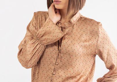 Bluza sa tufnicama i zvono rukavima