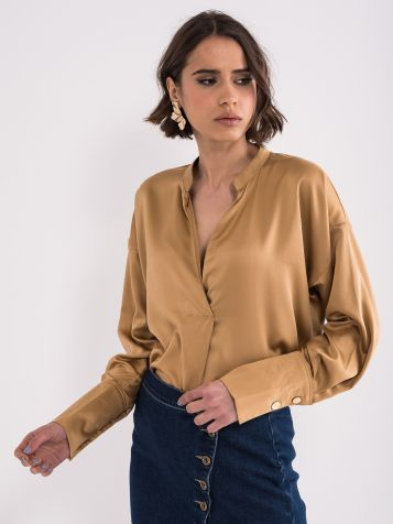 Bluza sa dubokim izrezom