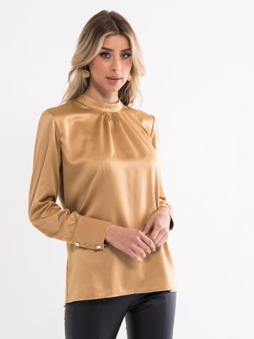 Bluza z izrezom krajšega ovratnika
