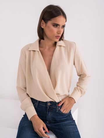 Bluza z globokim izrezom V