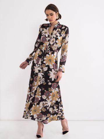 Obleka s cvetnim vzorcem