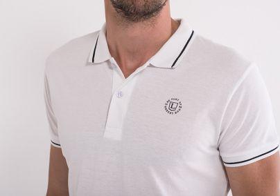 Majica sa kragnom bijele boje
