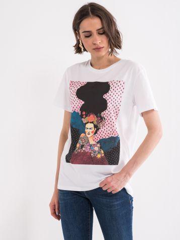 Majica sa šarenom štampom