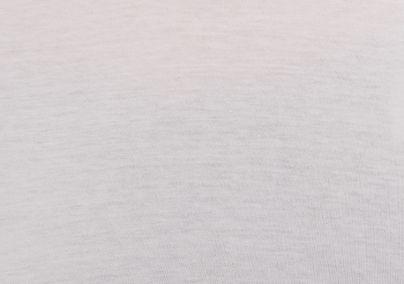 Majica sa detaljima