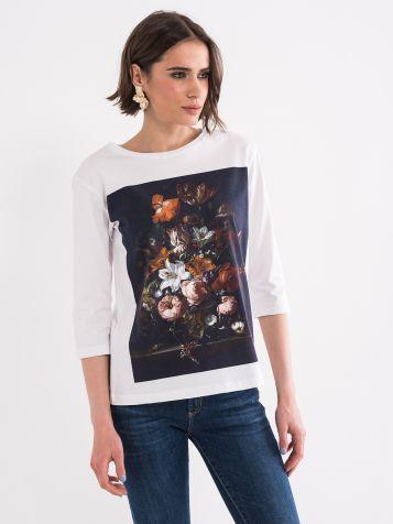 Majica sa cvijetim motivima