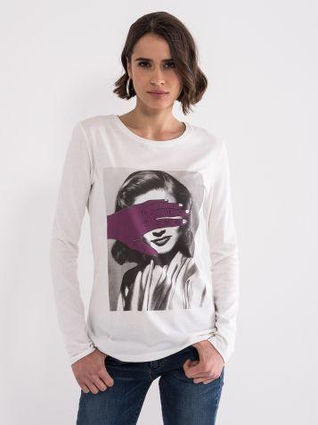 Majica sa likom žene