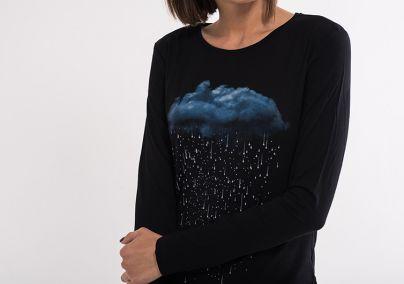 Crna majica sa aplikacijom