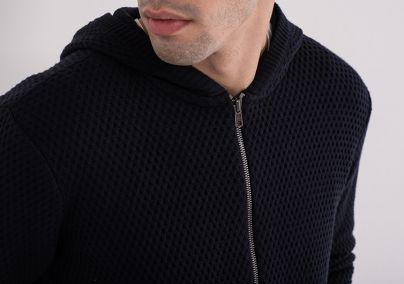 Muški džemper sa kapuljačom