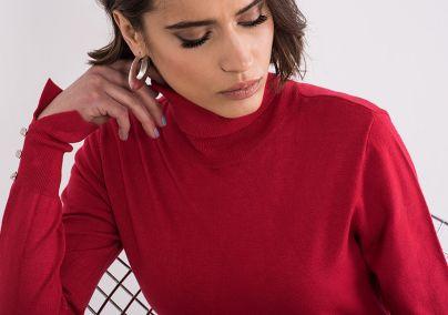 Džemper sa rolkom crveni