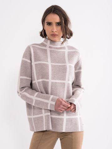 Atraktivan ženski džemper
