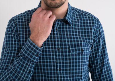 Košulja u karo dezenu