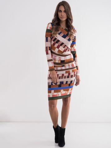 Atraktivna ženska haljina