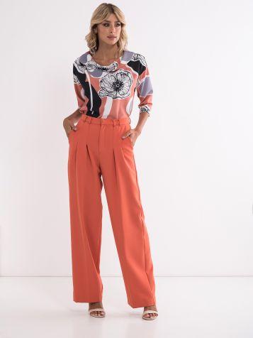 Elegantne pantalone zanimljive boje
