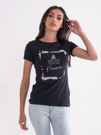 Majica u crnoj boji
