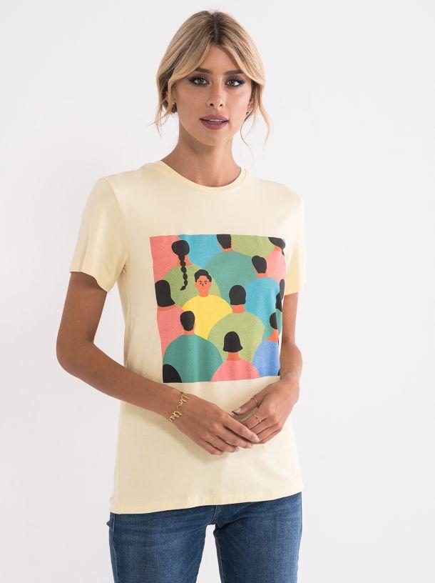 Majica sa upečatljivim printom