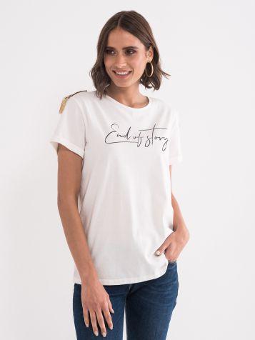 Majica z detajli na ramenih