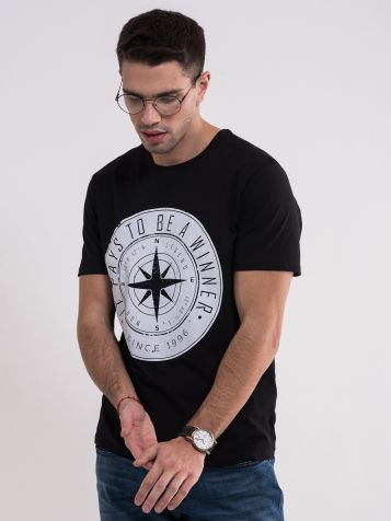 Crna majica sa belim printom
